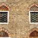 Pécs - ablakok a Gázi Kászim Pasa egykori dzsámiján