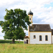 Kápolna a szántóföldön